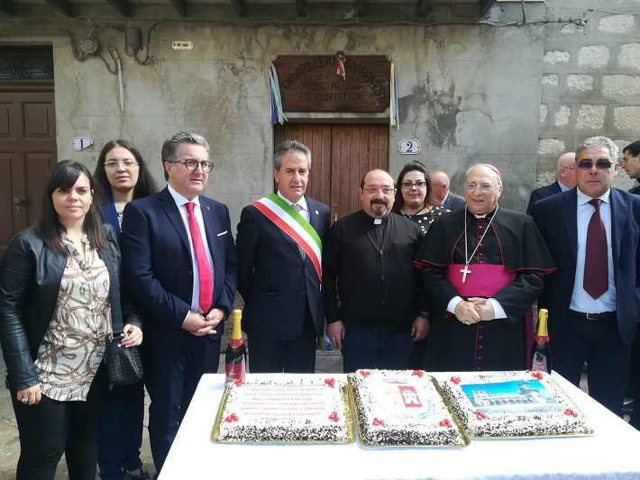 Festa per Don Calogero Falcone, è lui il nuovo arciprete di Petralia Soprana