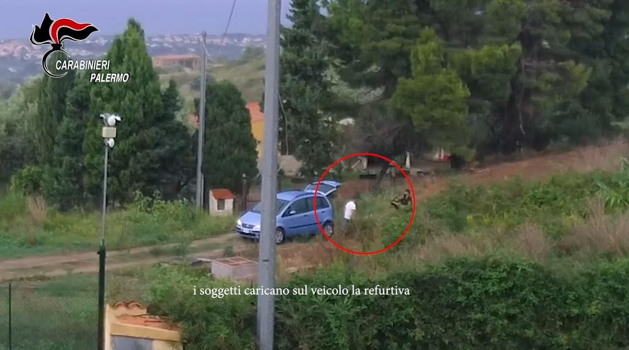 Oltre venti ville svaligiate, i carabinieri arrestano due persone