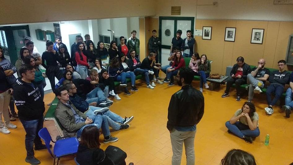 La protesta degli studenti fuori-sede: incontro con Lagalla, ma le tende rimangono