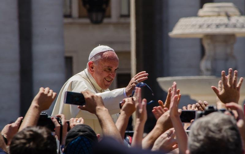 Papa Francesco, benedizione apostolica per Dimensione Uomo