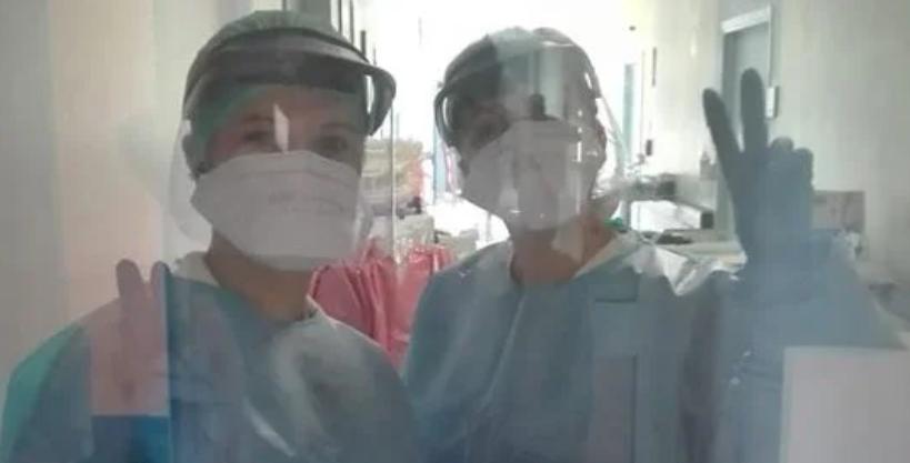 """Federica, infermiera a Torino: """"Ho preso il virus, il mio pensiero va ai colleghi"""""""
