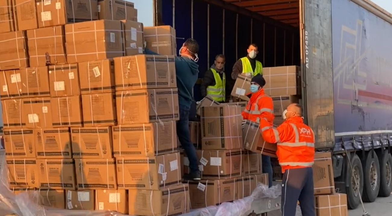 Dalla Cina agli ospedali siciliani: il viaggio degli aiuti arrivati a Palermo