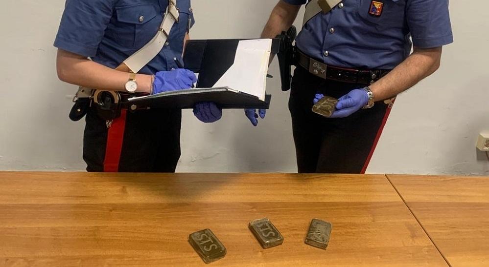 Beccato a Scillato con droga in auto: i carabinieri arrestano un giovane
