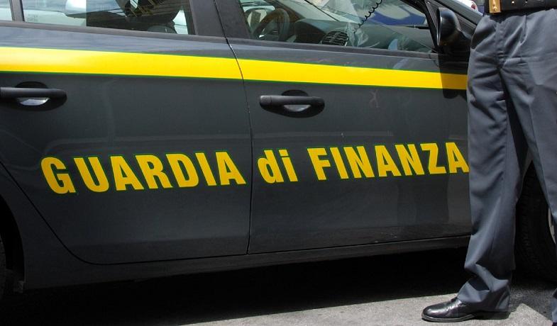 """I controlli della guardia di finanza per la """"fase 2"""": il viaggio con le pattuglie"""