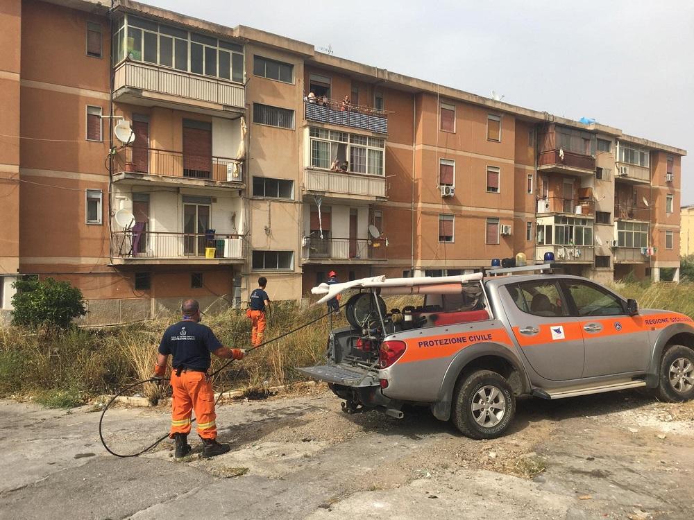 Ancora incendi: a Termini la protezione civile evita il peggio