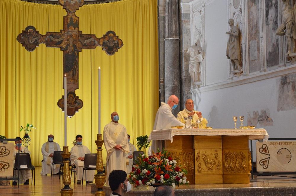 """Stop alle Messe in diretta steaming. Marciante: """"Si può tornare in chiesa"""""""