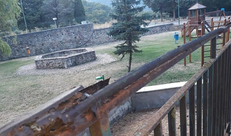 Parco giochi fatiscente, Uniamo Geraci chiede interventi urgenti