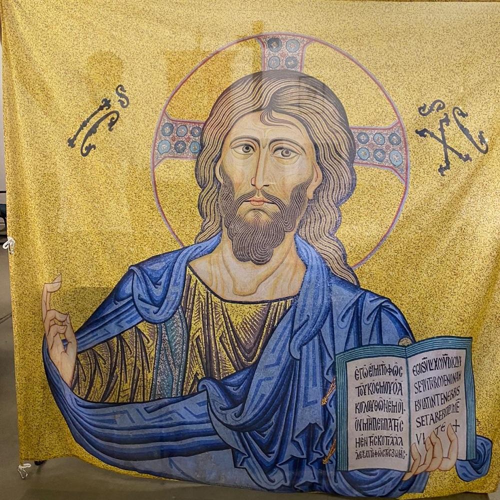 Santissimo Salvatore, a Cefalù il comune fa realizzare una nuova bandiera