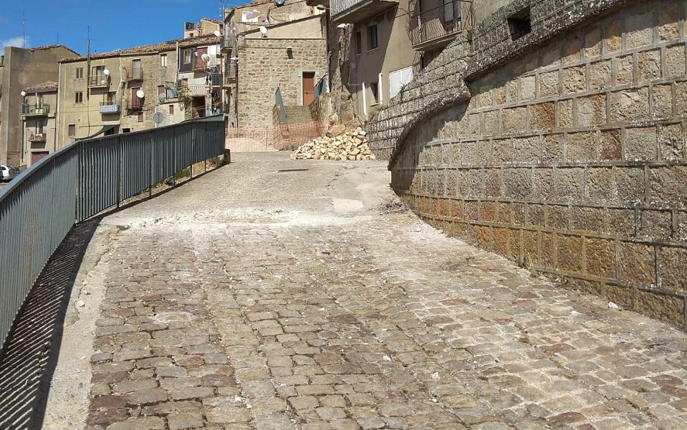 Geraci, avviati i cantieri per la sistemazione di alcune strade del Borgo