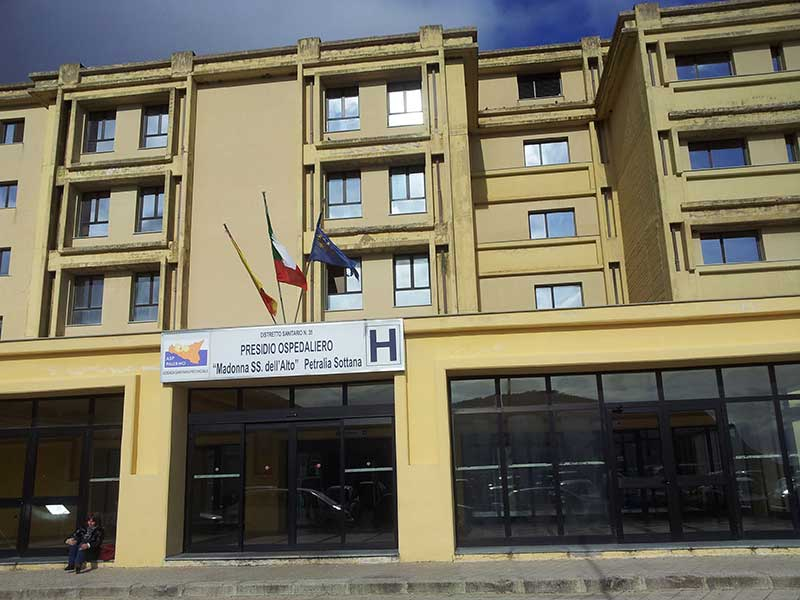 """Ospedale di Petralia Sottana, il grande bluff del """"rilancio"""" Covid"""