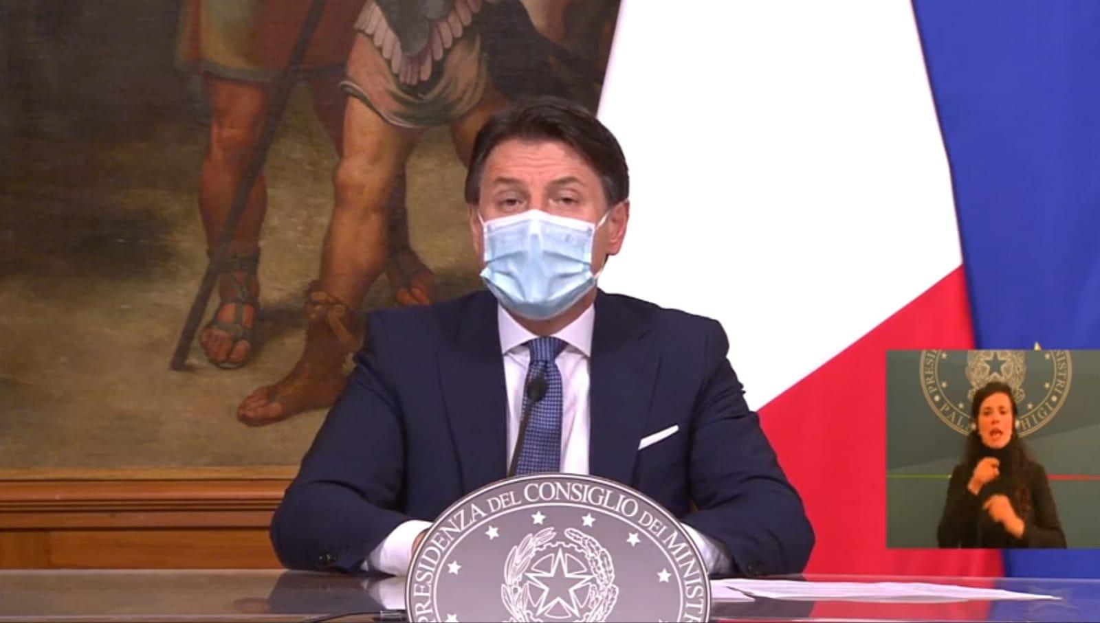 """Coronavirus, il Governo ha deciso: dal 24 dicembre Italia in """"zona rossa"""""""