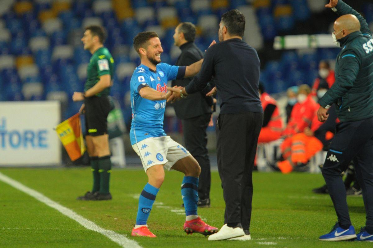 Mertens trascina il Napoli, 2-0 nel derby col Benevento